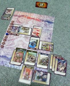 8ラウンド初手終了時。『エルマイラ』は最下段、右から2つ目のカード。表紙の美人さんでもある