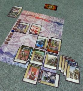 8ラウンド終了時。この直後の砲撃でIT担当の最後のヒーロー(下から3つ目、右端)が撃破された。ちなみに熱が入りすぎて途中からラウンドマーカー動かしてません