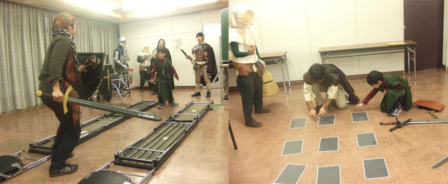 (右)机を使った、細い足場での戦闘再現。(左)ダンジョンの再現としてタイルを並べて、罠などの探索・調査を行う。